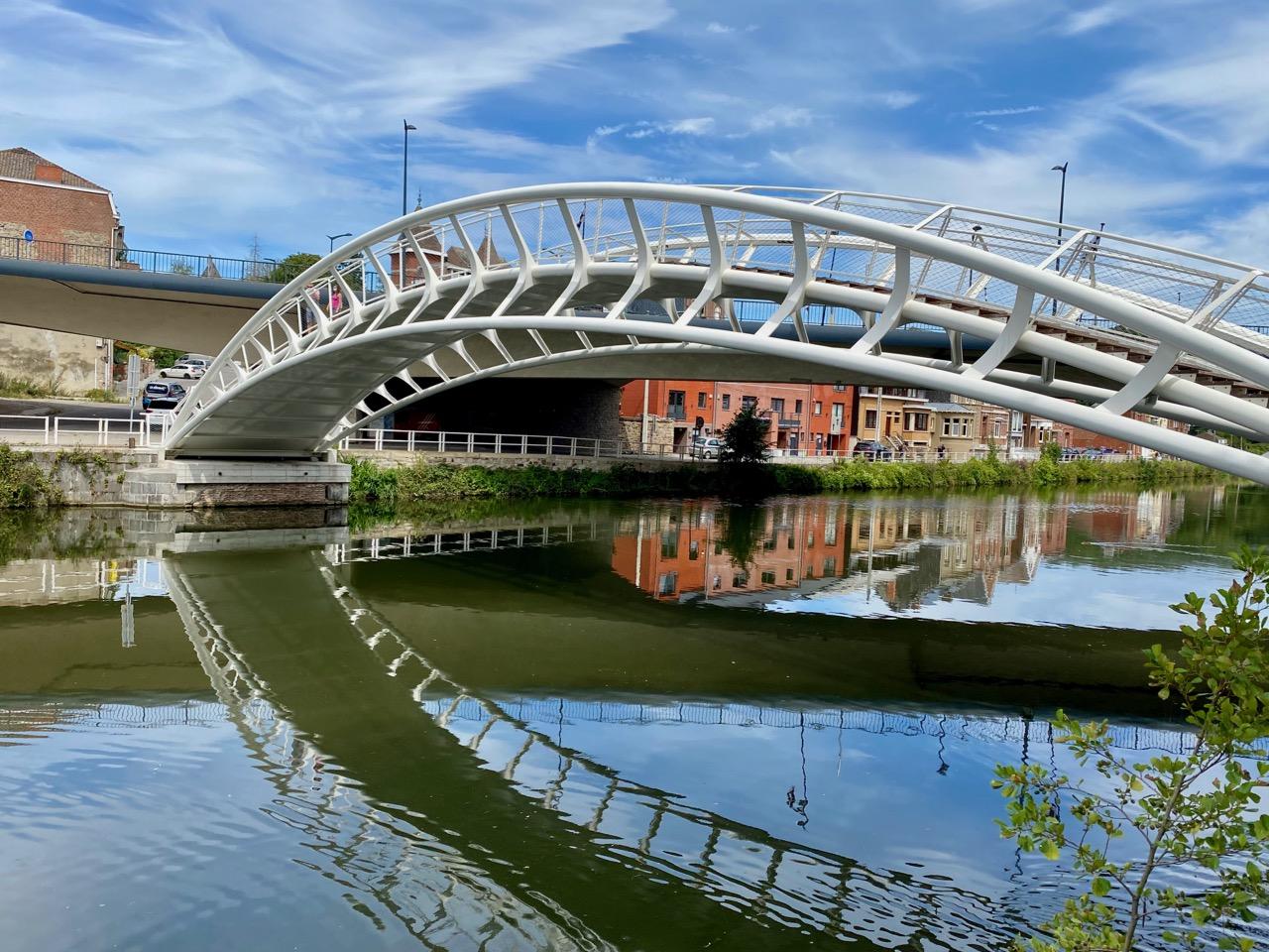 Pays-des-Lacs-Thuin-quartier-des-bateliers-pont