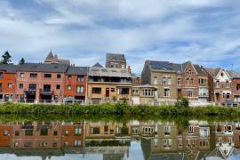 Pays-des-Lacs-Thuin-quartier-des-bateliers-reflets-dans-eau