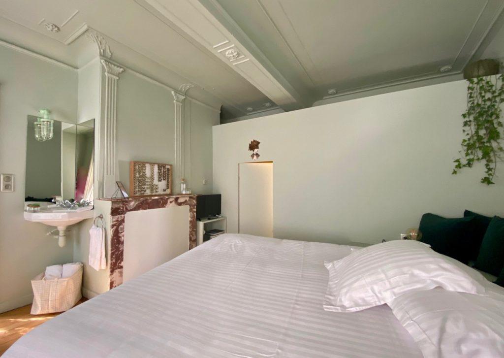 PieuX-Montreuil-sur-Mer-chambre-avec-lavabo