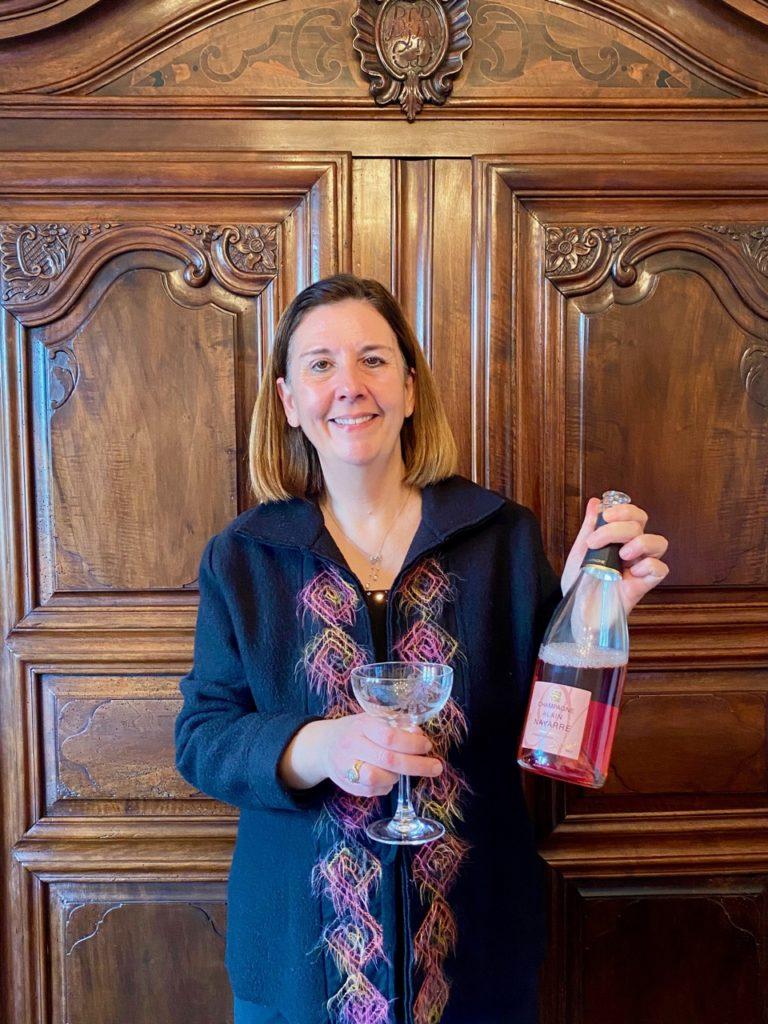 Femme-avec-champagne-Alain-Navarre