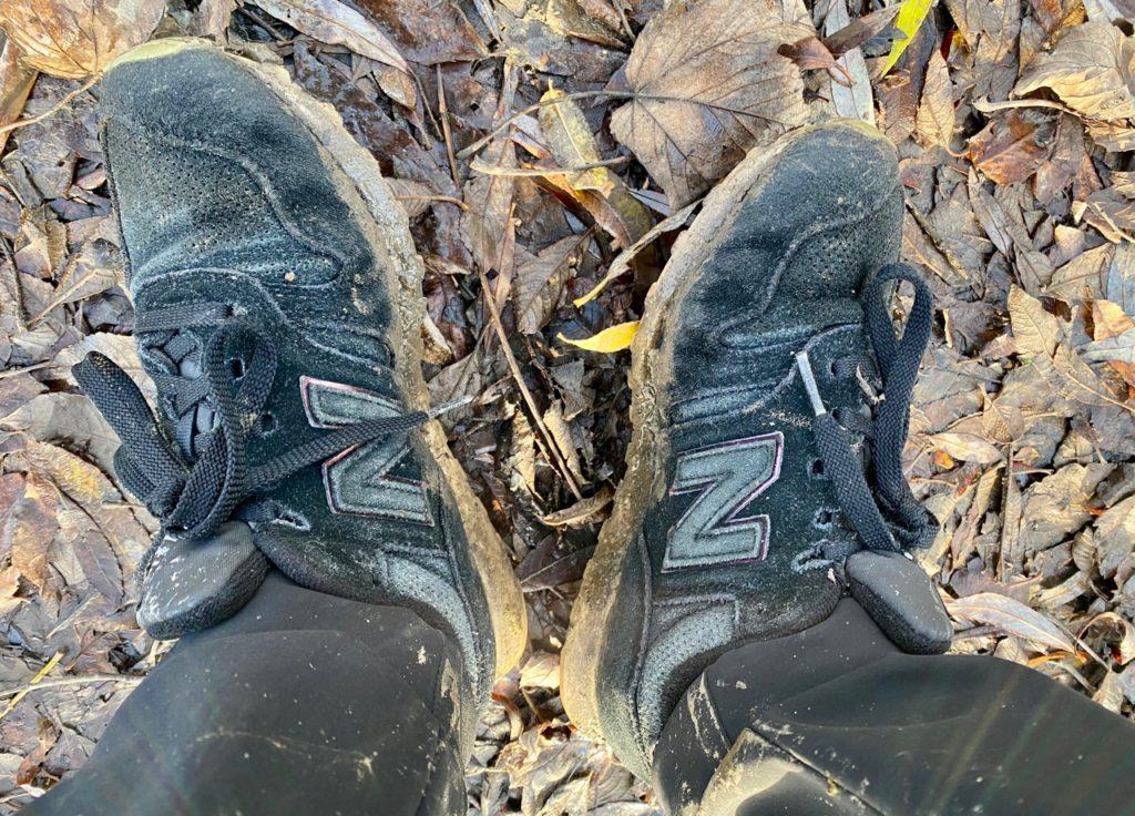 Chaussures-pleines-de-boue