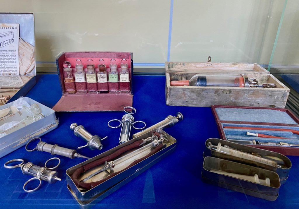 Hopital-Notre-Dame-a-la-Rose-Lessines-instruments-medicaux