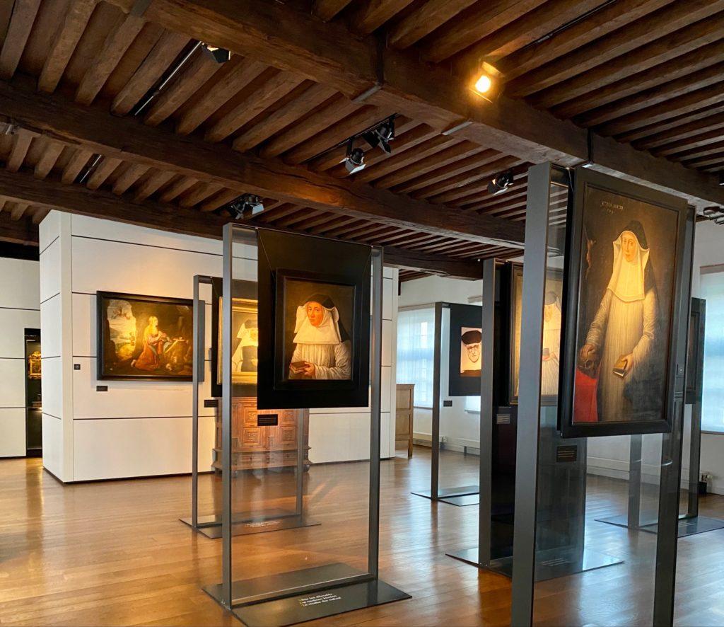Hopital-Notre-Dame-a-la-Rose-Lessines-salle-portraits