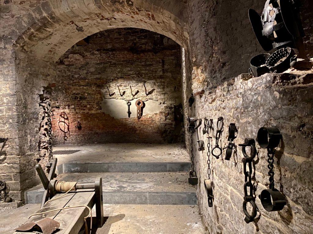 Gand-chateau-des-Comtes-instruments-torture