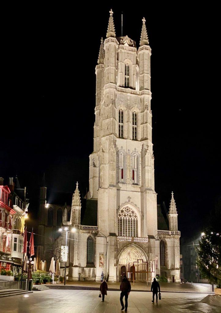 Gand-plan-lumiere-cathedrale-Saint-Bavon
