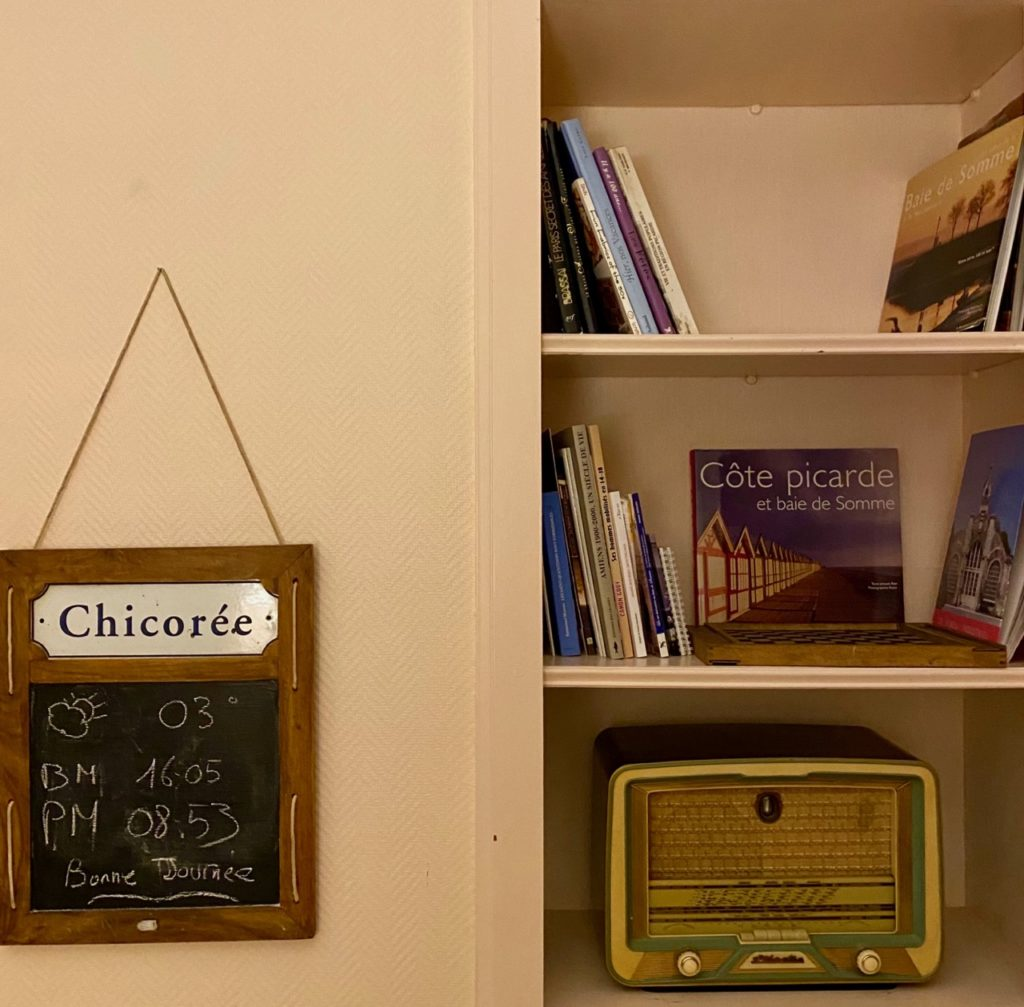 Le-Jardin-chambres-d-hotes-Cahon-bibliotheque