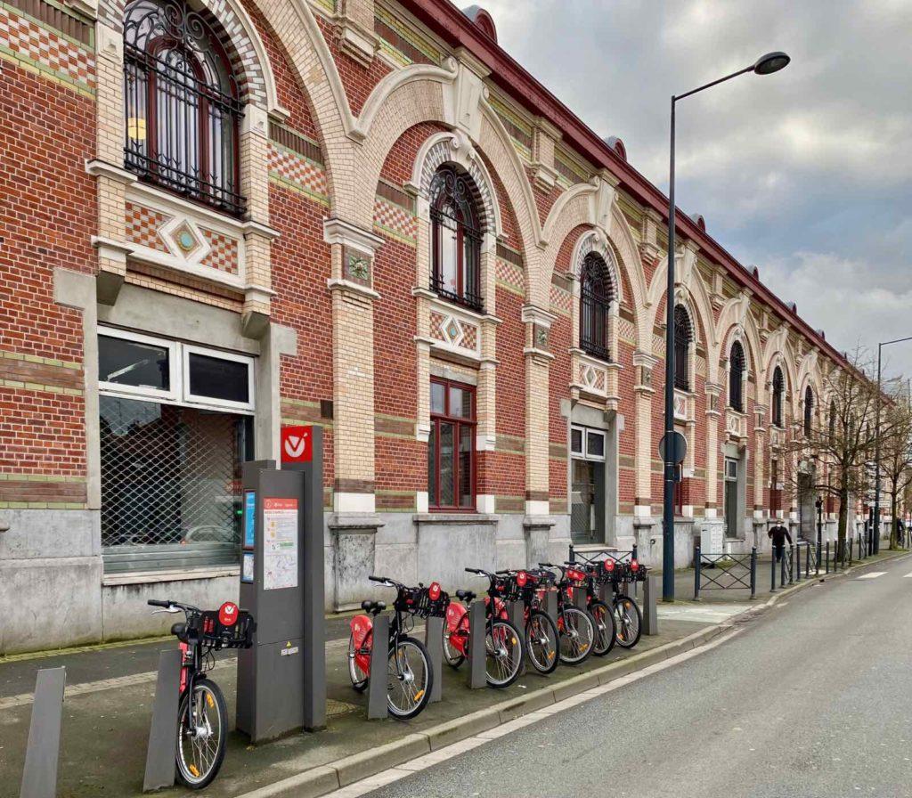 Roubaix-Condition-publique-avec-velos