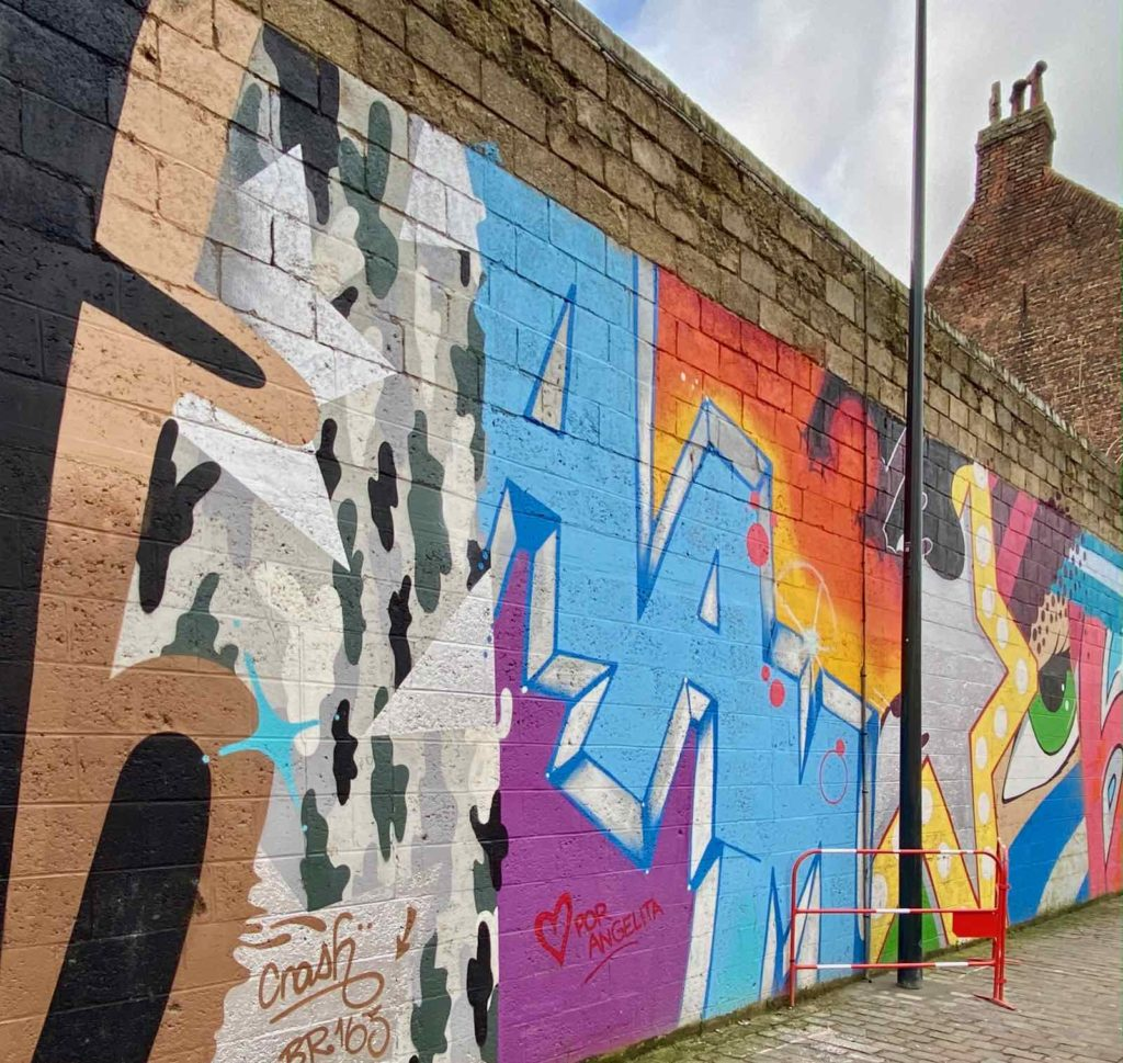 Street-Art-a-Roubaix-Pile-Crash
