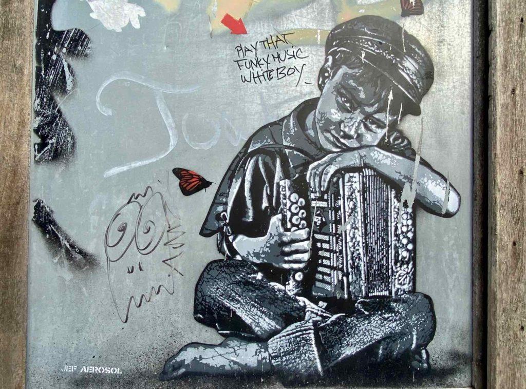 Street-Art-a-Roubaix-Pile-Jef-Aerosol-enfant-accordeon