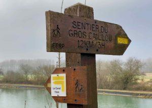 Panneau-directionnel-rando-Le-Canal