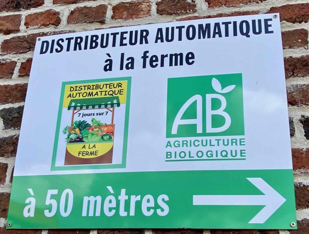 Panneau-distributeur-automatique-a-la-ferme