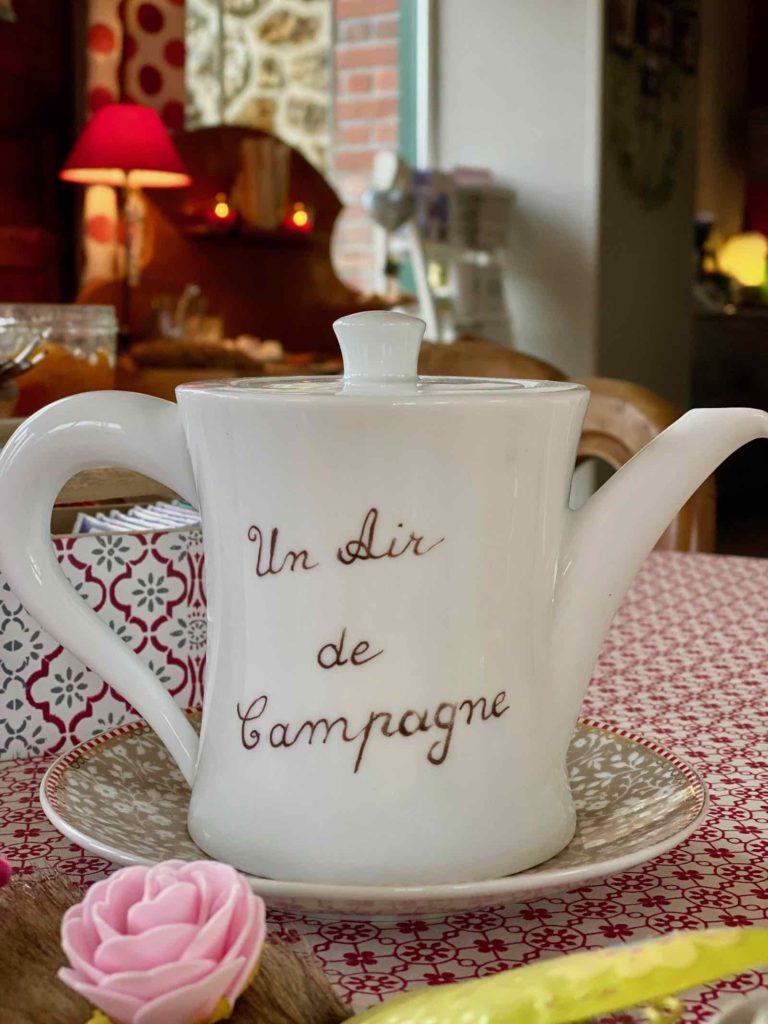 Couloisy-Un-air-de-campagne-Eau-de-Rose-cafetiere