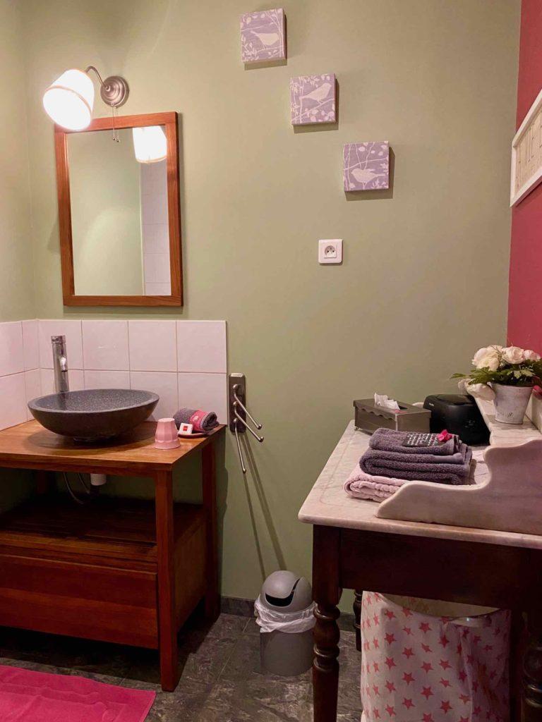 Couloisy-Un-air-de-campagne-Eau-de-Rose-salle-de-bain