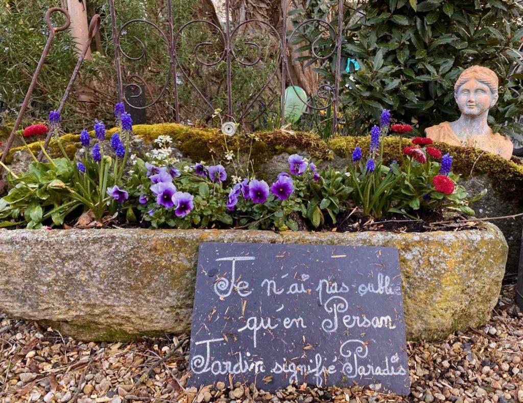 Couloisy-Un-air-de-campagne-jardiniere