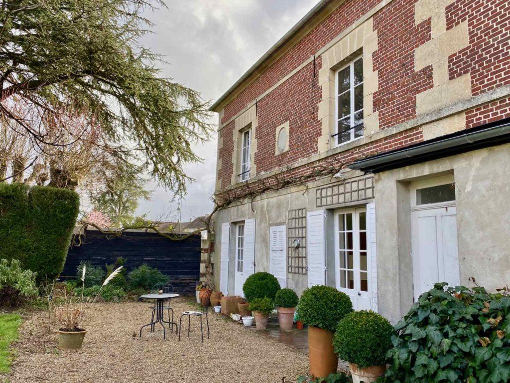 La-Maison-et-L'Atelier-Crouy-en-Thelle-Oise-arriere-maison