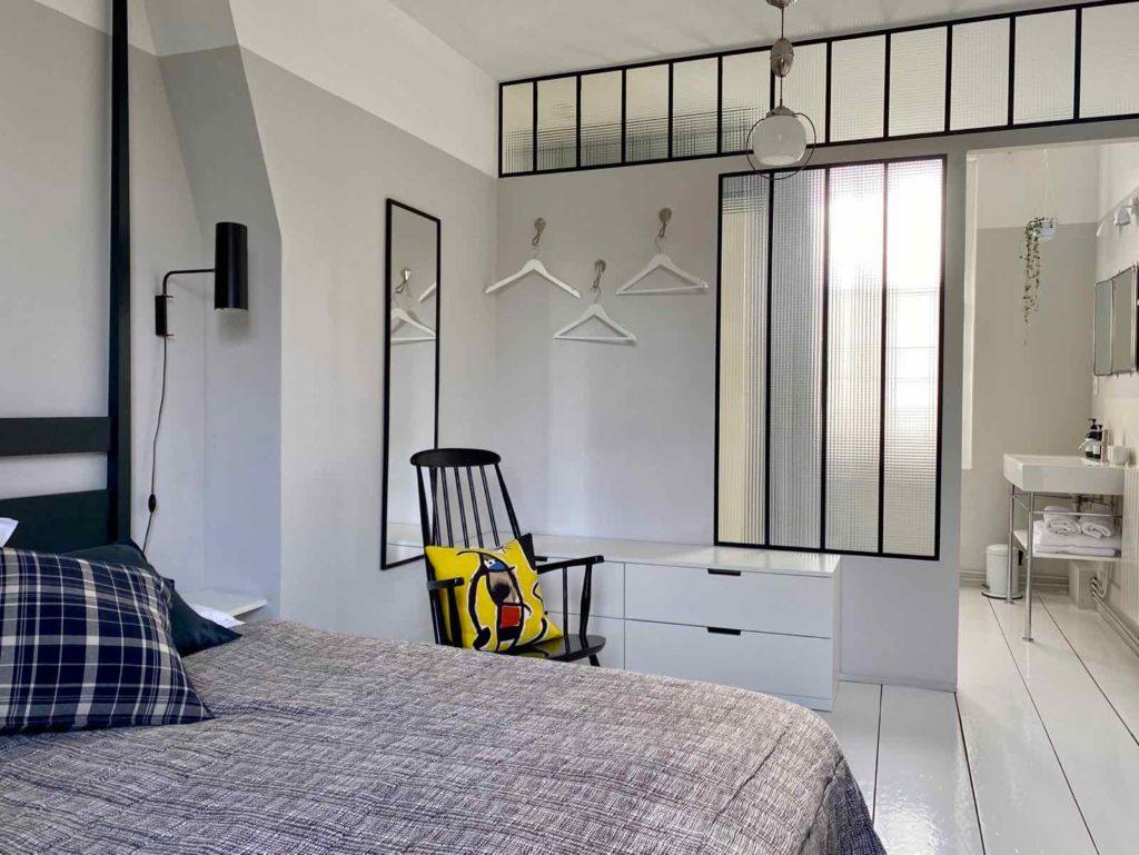 La-Maison-et-L'Atelier-Crouy-en-Thelle-Oise-chambre-V-salle-bains