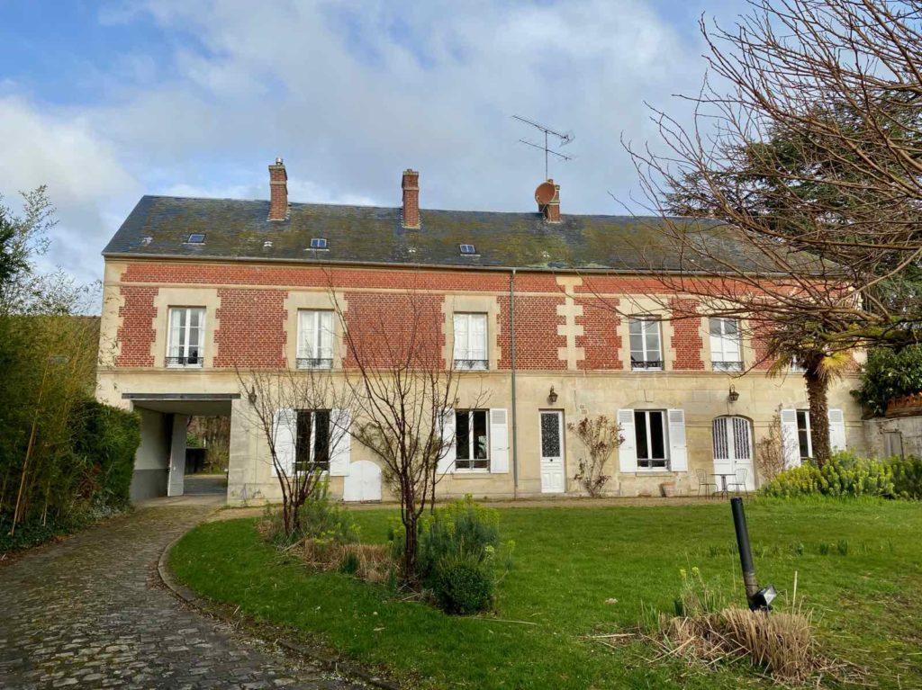 La-Maison-et-L'Atelier-Crouy-en-Thelle-Oise-facade-maison