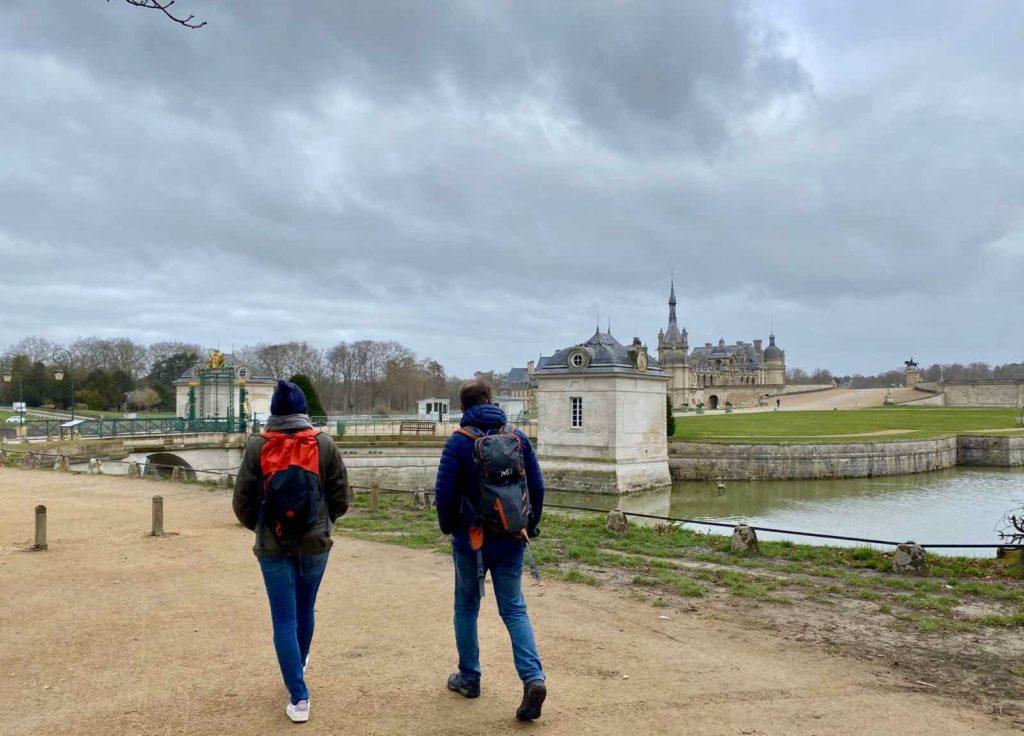 Oise-balade-nature-pour-se-faire-du-bien-Karuna-Nature-marche-ayurvedique-depart-chateau-Chantilly