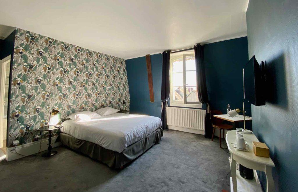 Senlis-La-Boheme-chambre-deux