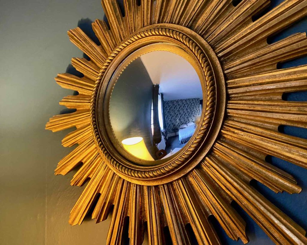 Senlis-La-Boheme-chambre-deux-miroir-soleil