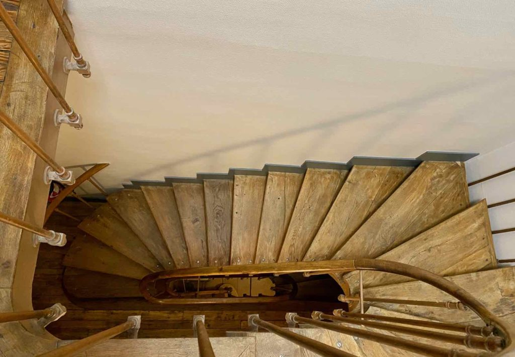 Senlis-La-Boheme-escalier