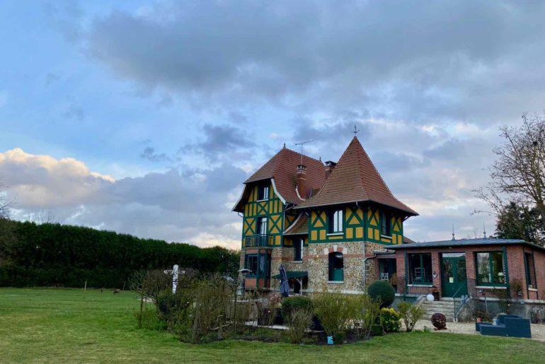 Couloisy-Un-air-de-campagne-maison-vue-du-jardin
