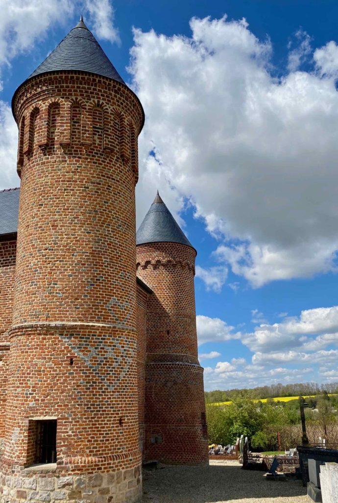Eglises-fortifiees-vallee-de-l-Oise-Flavigny-le-Grand-et-Beaurain-deux-tours