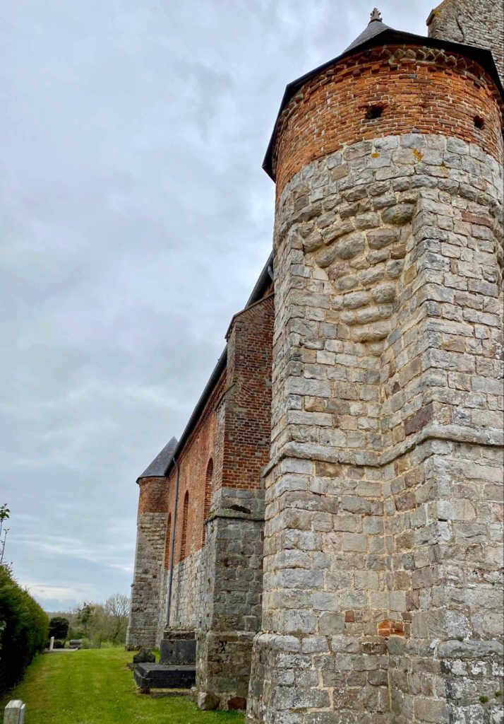 Eglises-fortifiees-vallee-de-l-Oise-Marly-Gomont-tour-laterale