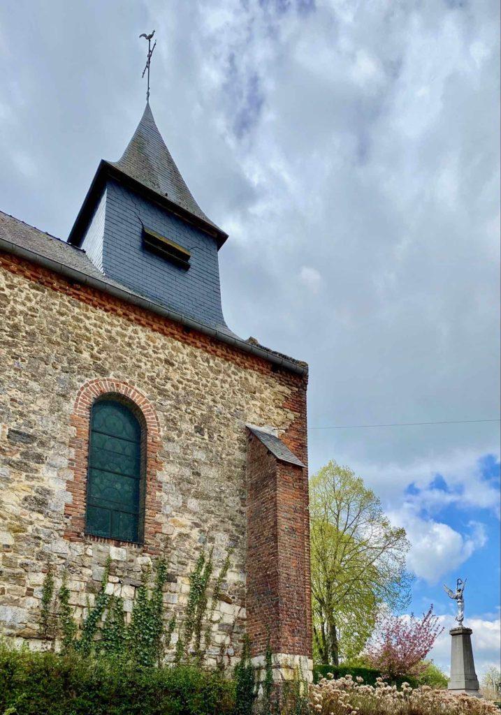 Eglises-fortifiees-vallee-de-l-Oise-Ohis-vue-de-cote