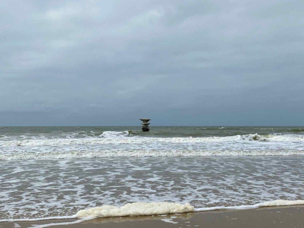 Festival-Beaufort-Ostende-Mariakerke-Rosa-Barba-Pillage-Of-The-Sea-de-loin