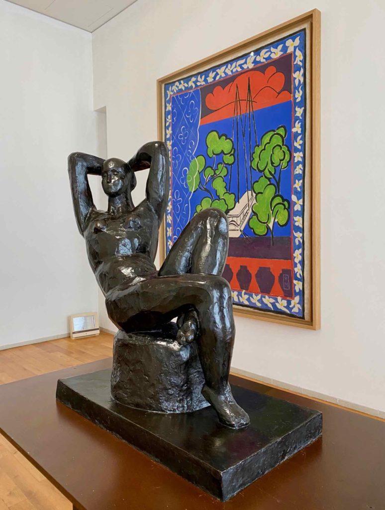 Musee-Matisse-Le-Cateau-Henri-Matisse-sculpture-de-femme-devant-Fenetre-a-Tahiti-ou-Tahiti-II