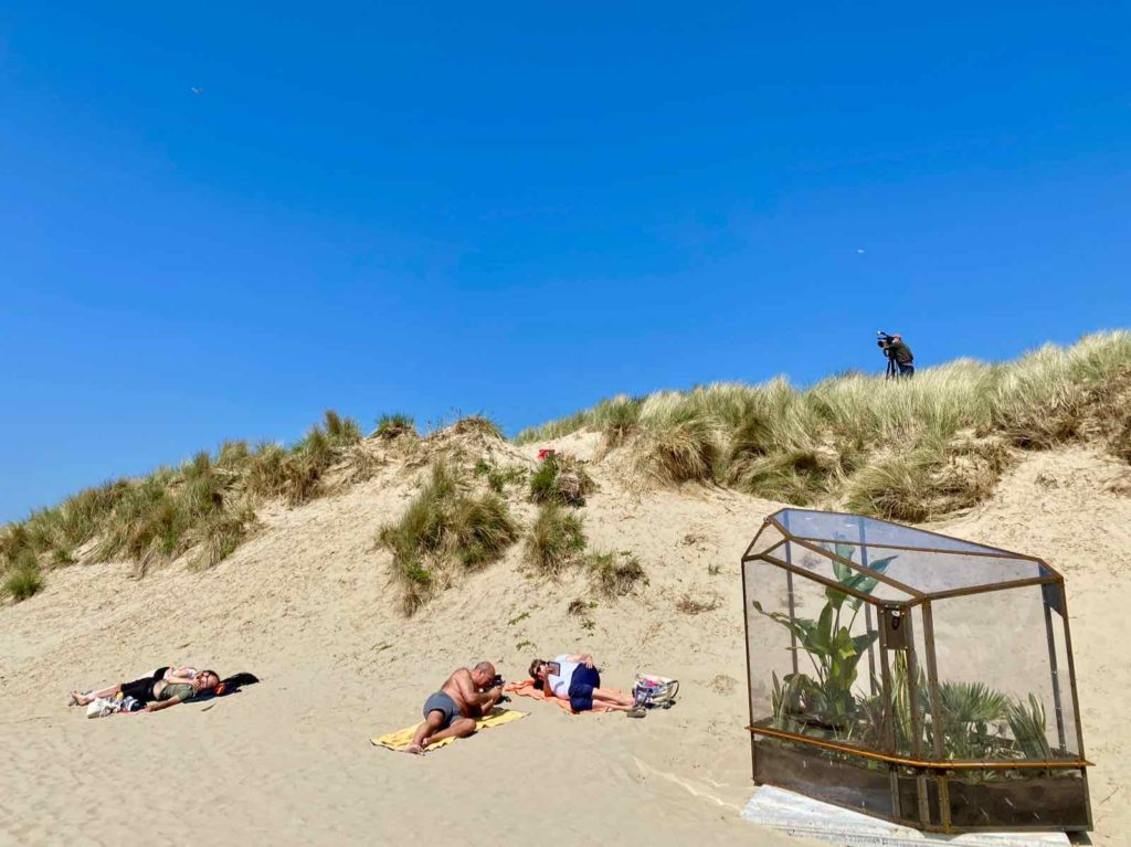 Beaufort-Zeebruges-Sammy-Baloji-and-to-those-North-Sea-waves-whispering-sunken-stories-plan-large