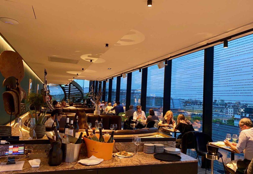 Nū-Restaurant-Lille-salle-au-crepuscule