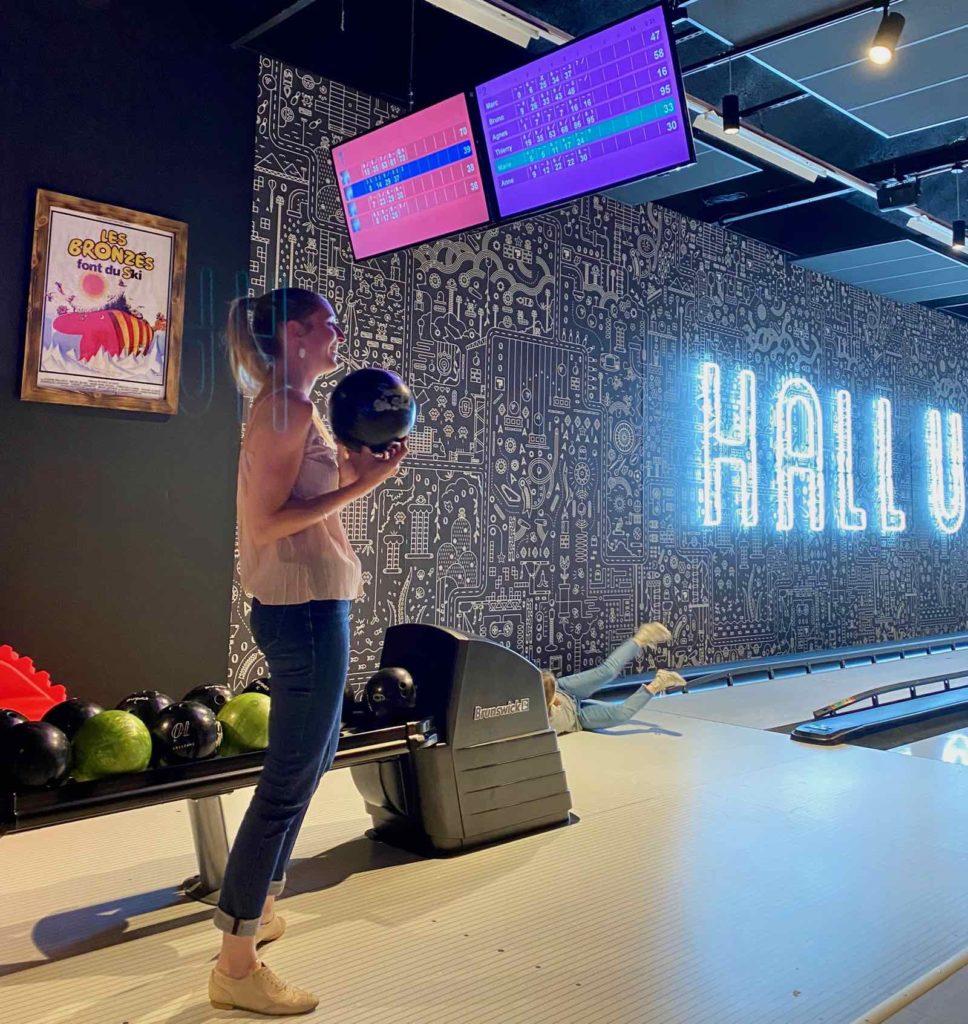 Hall-U-Need-Saint-Andre-bowling-decor-Les-Bronzes-font-du-ski