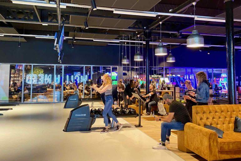 Hall-U-Need-Saint-Andre-bowling-ambiance