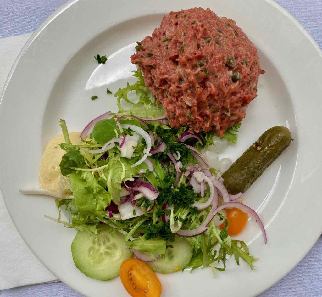 Knokke-Brasserie-Rubens-filet-americain