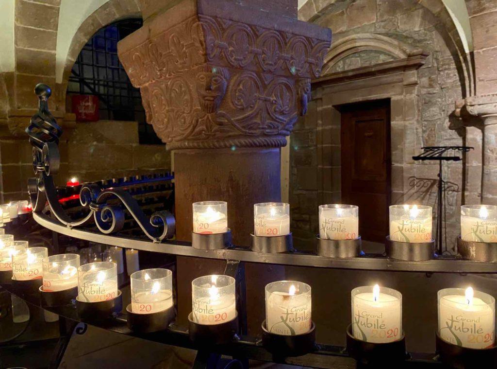 Mont-Sainte-Odile-pilier-et-bougies