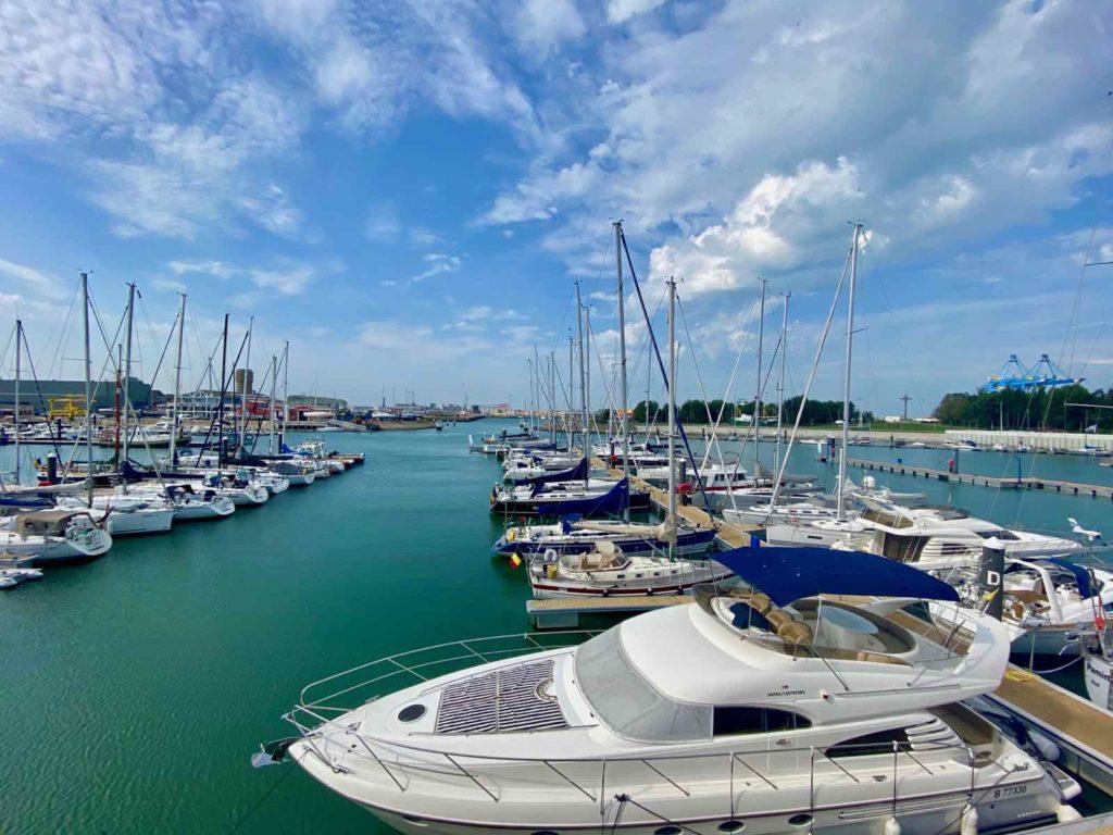 Zeebrugge-Ona-by-Werftje-vue-port-plaisance