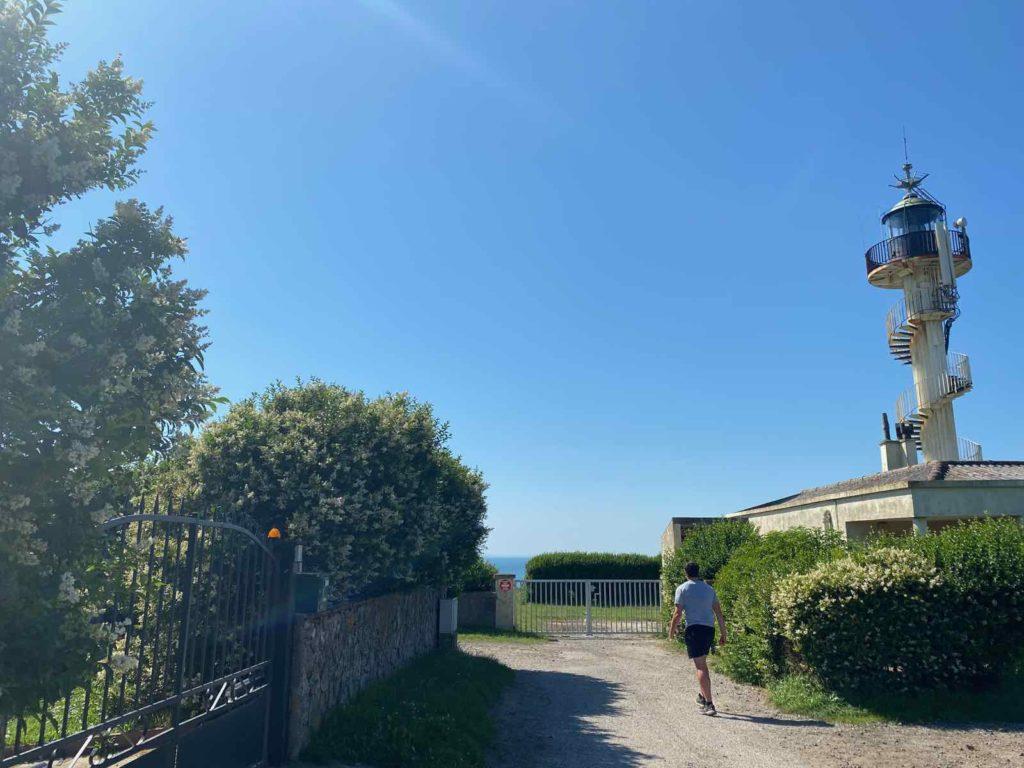 Le-Portel-phare-d-Alprech-de-pres