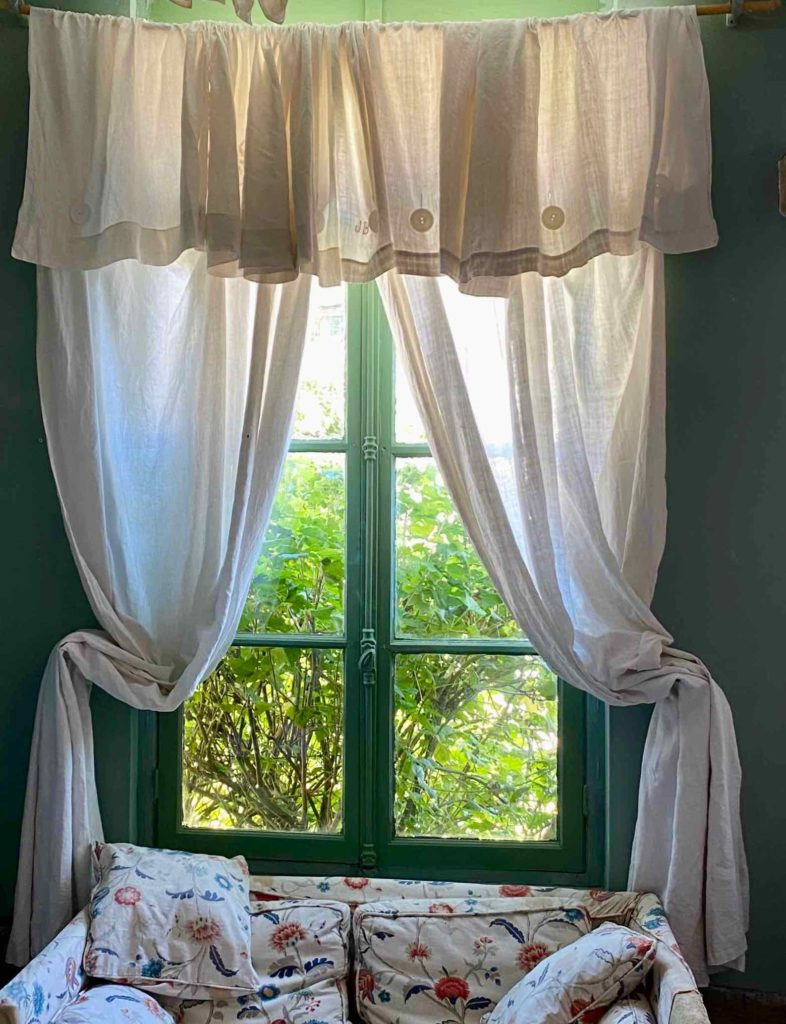 Saint-Remy-au-Bois-le-Tearoom-rideaux