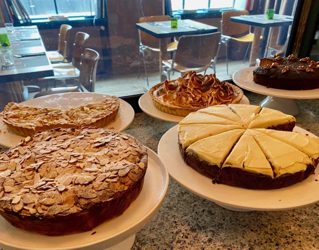 Au-Velocipede-buffet-desserts