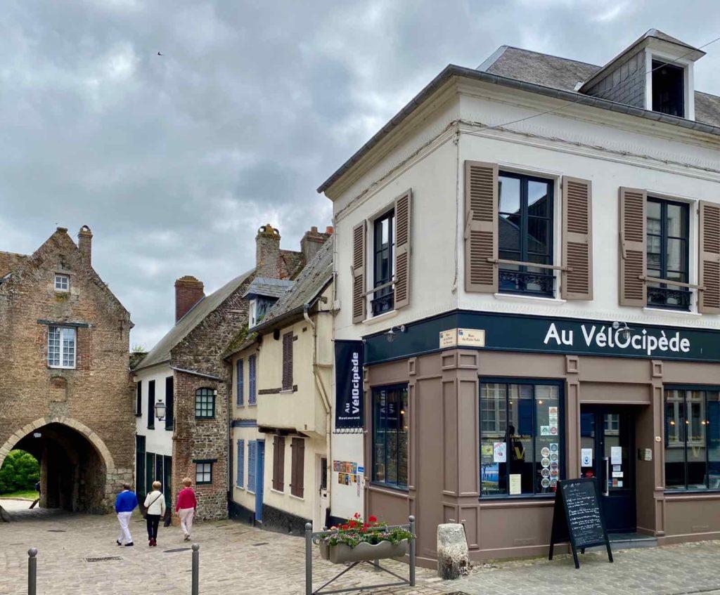 Au-Velocipede-facade