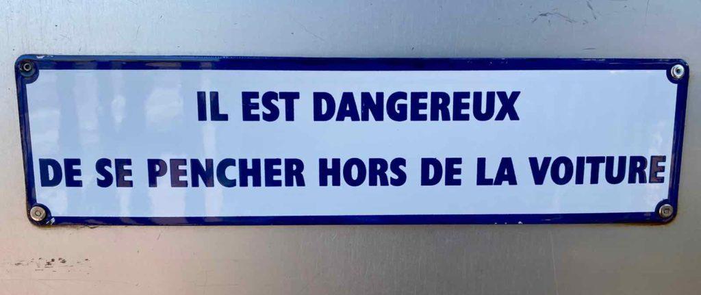 Chemin-de-fer-de-la-baie-de-Somme-panneau-dangereux-se-pencher