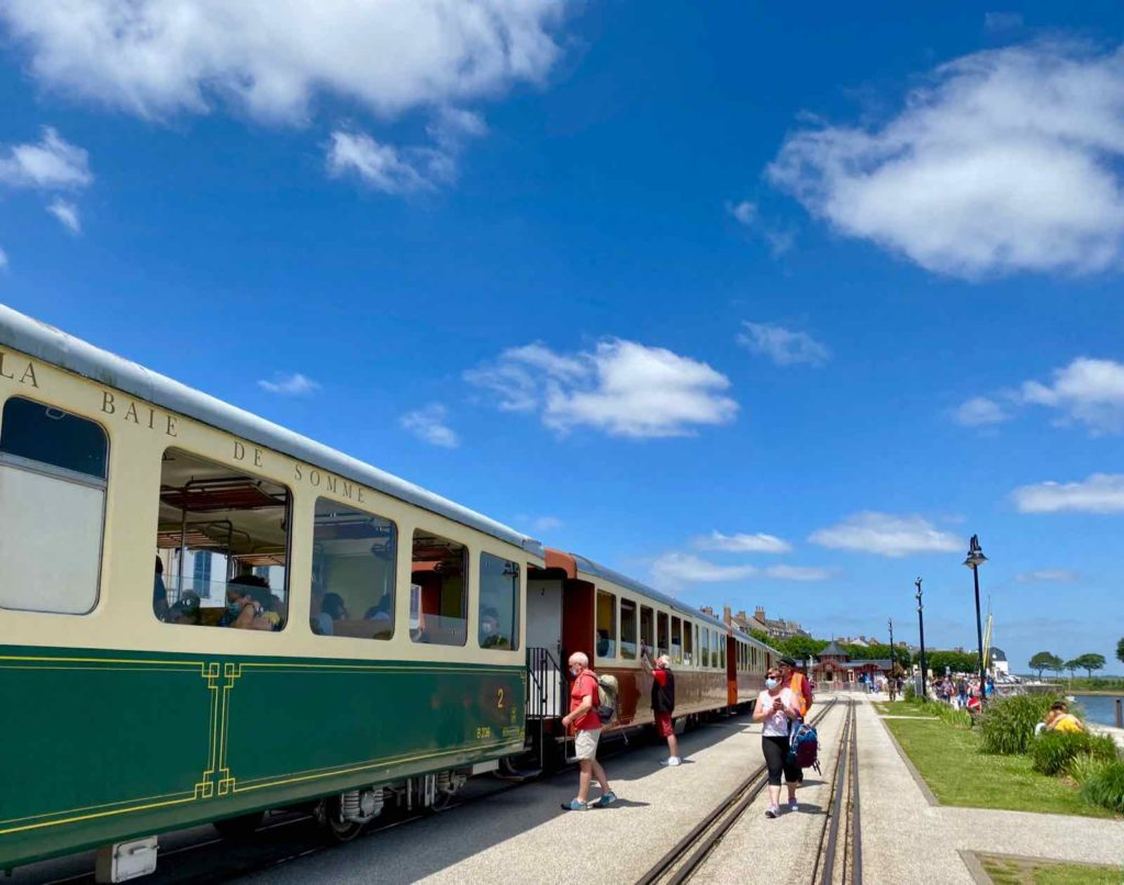 Chemin-de-fer-de-la-baie-de-Somme-train-quai-Saint-Valery
