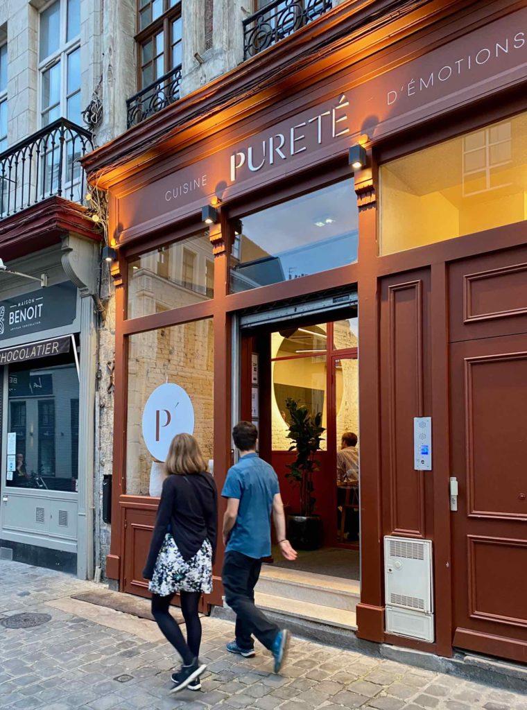 Pureté-Lille-facade-rue-de-la-Monnaie-avec-passants