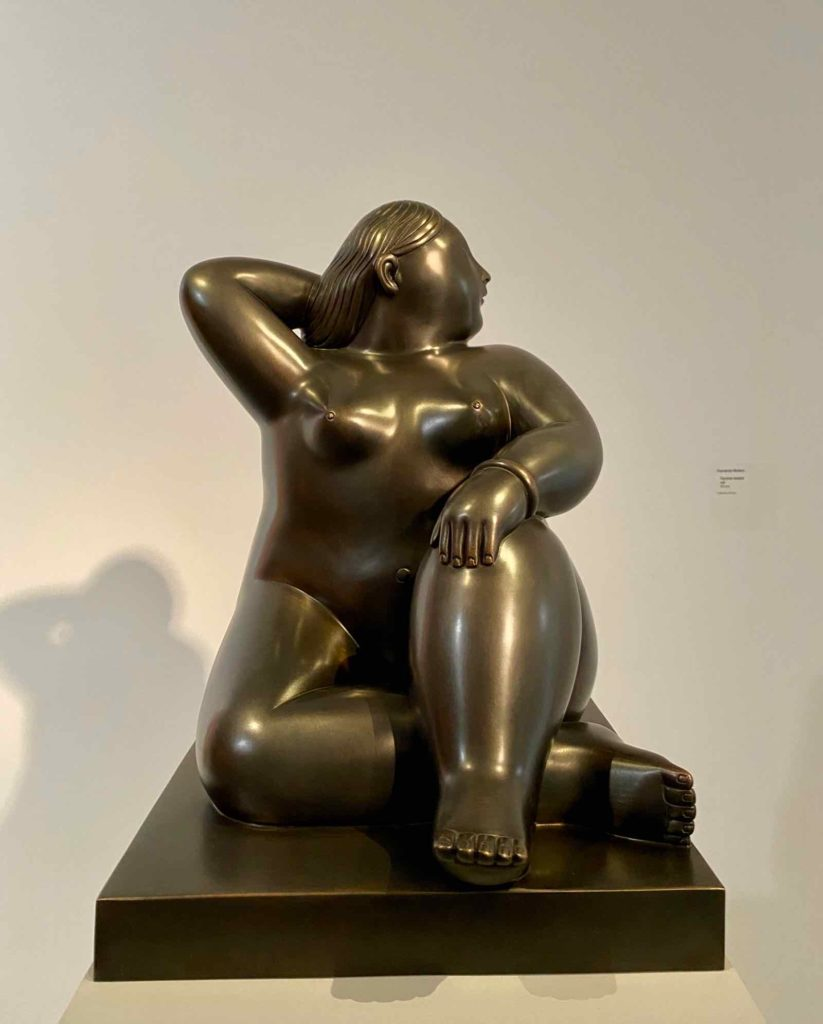 Fernando-Botero-Femme-assise--collection-privee